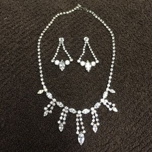 Vintage Necklace and Earrings Rhinestone S…